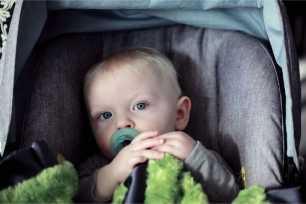 赤ちゃん チャイルドシート