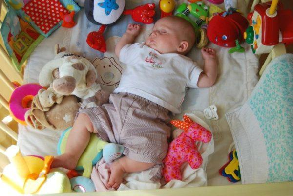 赤ちゃんのおもちゃレンタル