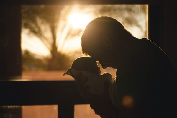 休日の生後3ヶ月の赤ちゃんとの過ごし方